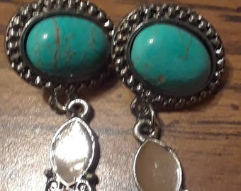 Vintage silver tone faux turquoise earrings