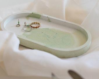 Plate/Concrete/Home Decor/Home Decor/Decor Plate/Decorating/Interior/Handmade/Unique Item/Kitchen/Home Goods/Gift/White Concrete/Korea
