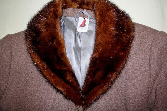 Vintage wool coat XXXL color cappuccino with mink