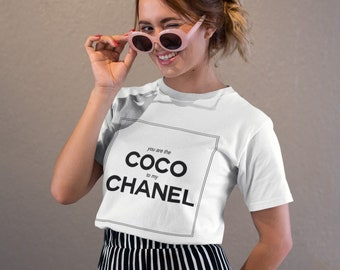 ee350febe7d T-Shirt Chanel Coco Chanel chemise Chanel logo T-Shirt chemise femme  inspiré par Coco Chanel T Shirt pour elle noir Chanel t-Shirt blogueurs tee