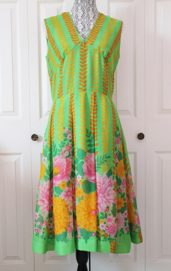 1960s Flower Power Day Dress Large