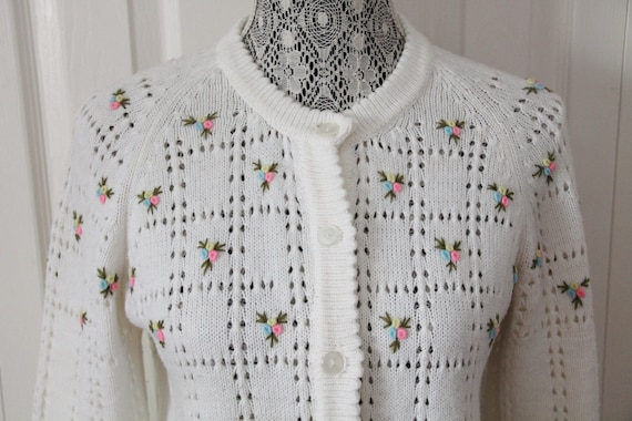 1960s White Flower Knit Cardigan