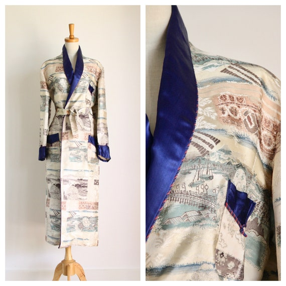 Vintage 40s 50s Chinese smoking robe. Chinoiserie