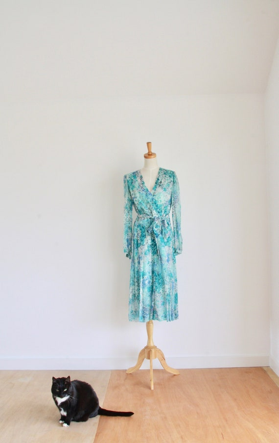 Vintage silk floral day dress. Blue Silk chiffon d