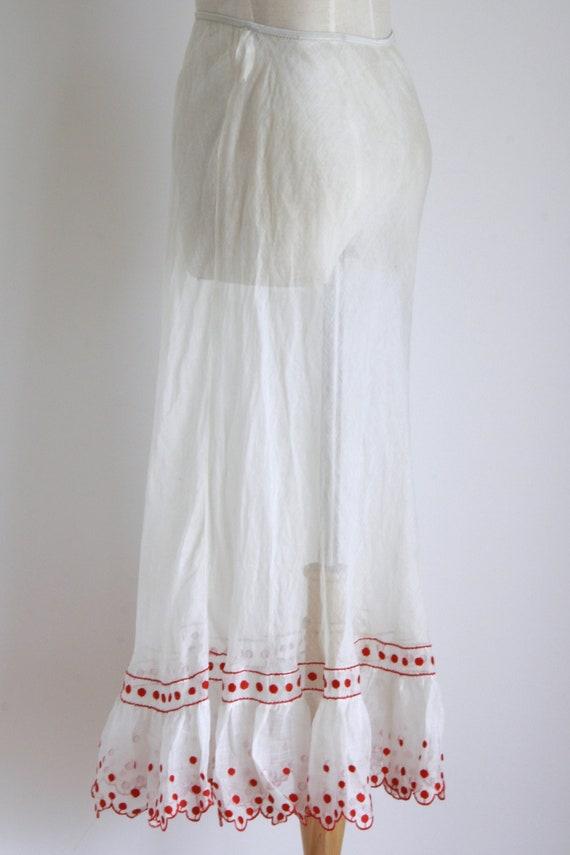 1930s white organza petticoat skirt. white embroid