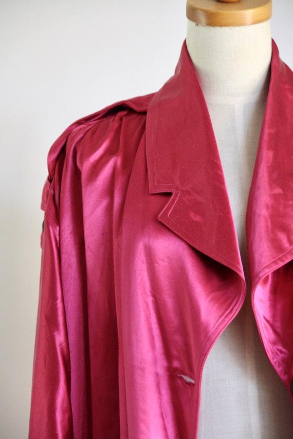Vintage magenta satin coat. 1980s pink trench coa… - image 9