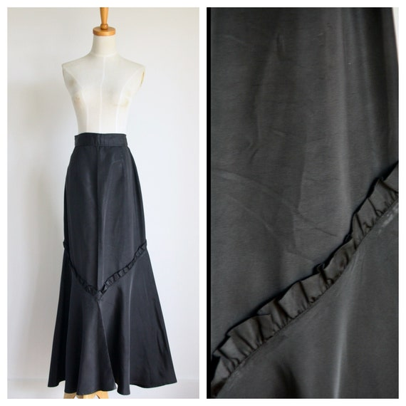 1930s Black ruffle skirt. Edwardian black fish tai