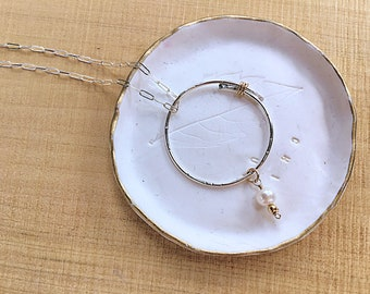 Freshwater pearl charm on sterling silver overlapping circle pendant necklace, textured on sterling rectangular link chain, gold wire