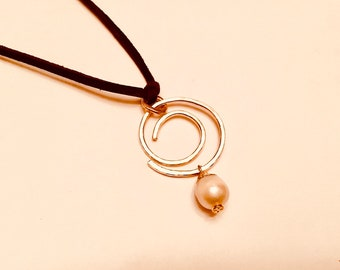 14k Gold fill hammered swirl pendant necklace with pearl charm on suede cord
