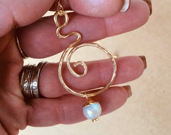 14k Gold fill hammered swirl circle pendant necklace with pearl charm on 10k gold chain