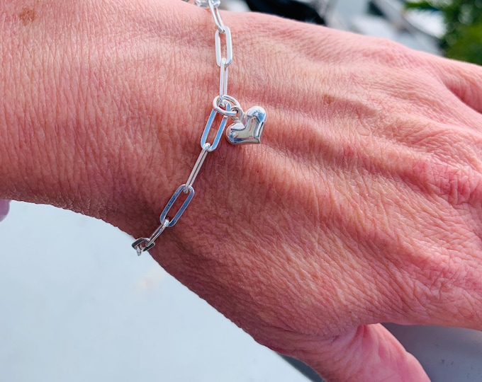 Sterling silver paperclip chain bracelet with puffy heart charm, simple, elongated, Italian