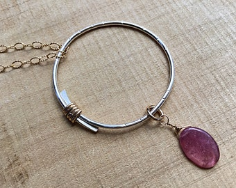Watermelon tourmaline briolette on sterling silver overlapping circle pendant necklace, gold wire wrap, charm, textured, on gold fill chain