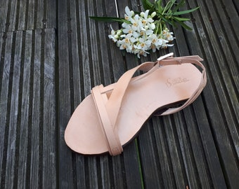 Leather summer sandals - Handmade - Beige leather shoes -Flat sandals - Free shipping worldwide