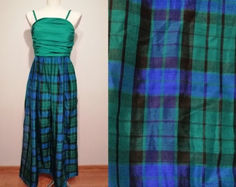 Vintage evening  long dress 70s or 60s with pockets   size S small to M medium, Scottish plaid, West Germany