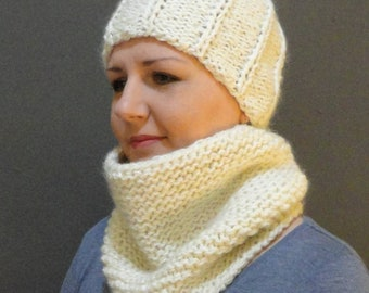Knitted hat and cowl, ready to ship