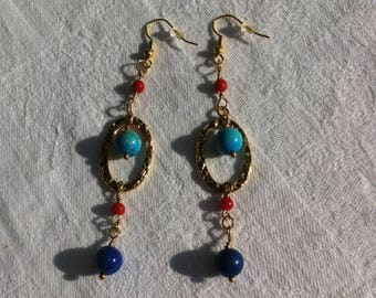 Earrings of bohemian style with three gemstones, turquoise, lapis lazuli and red coral