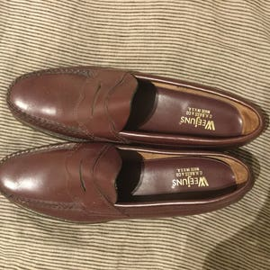 bc4233ffe9b Vintage Burgundy Oxblood Made in USA Bass Weejun Penny Loafers Size US  Women s 8AA