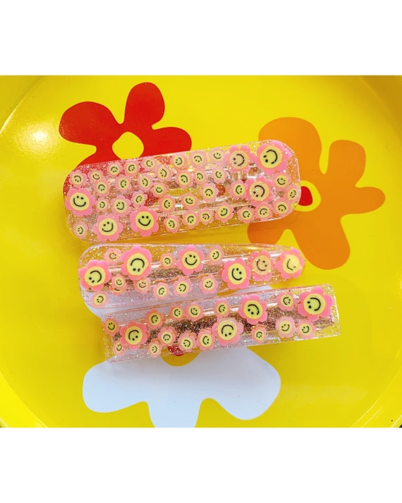 Hair Clips | Pink Smiley Daisies