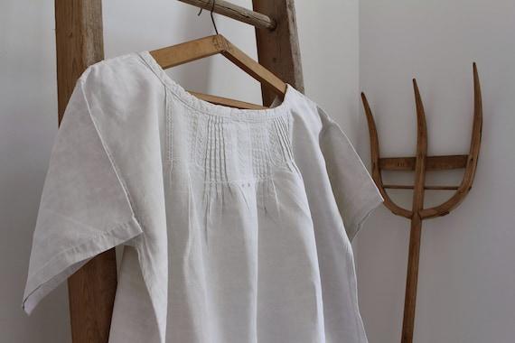 French antique linen nightgown / Antique linen dre