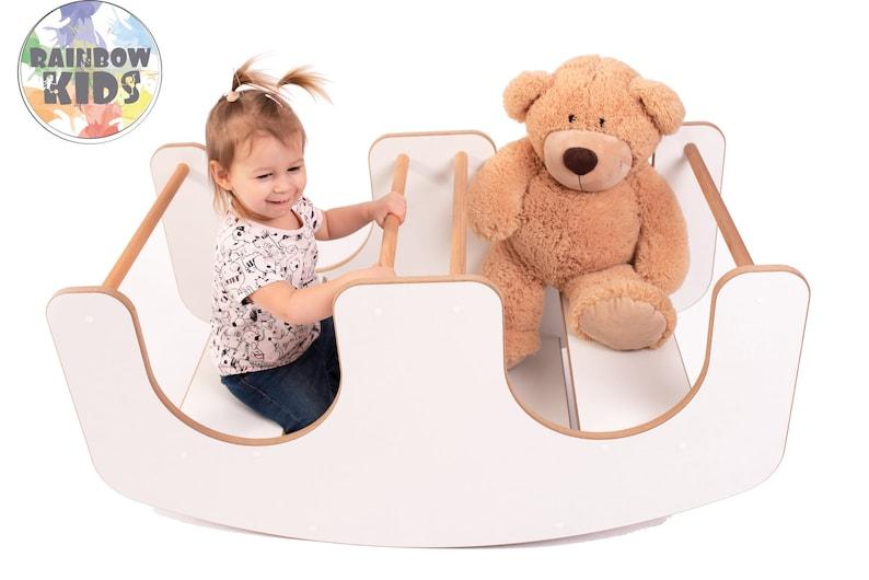 Table et balançoire pour enfants - Créatrice ETSY : RainbowKids333