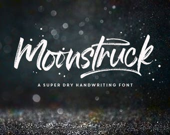 Moonstruck Typeface