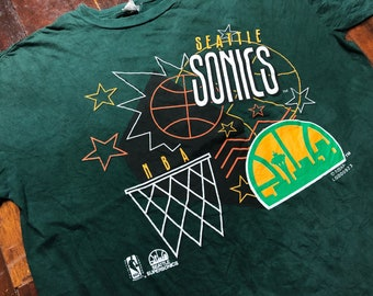 Vintage 90s Seattle Supersonics T-Shirt size XL