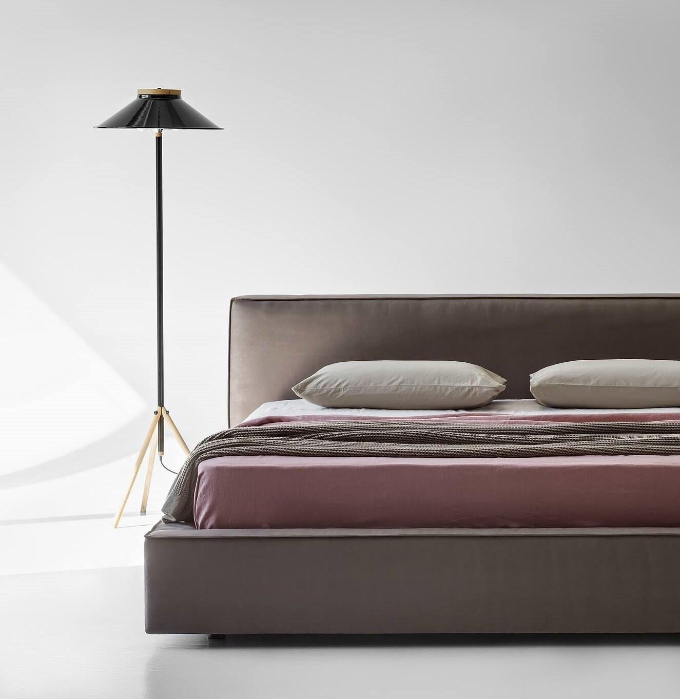 moderne industrie stehlampe f r wohnzimmer gl nzend schwarzen etsy. Black Bedroom Furniture Sets. Home Design Ideas