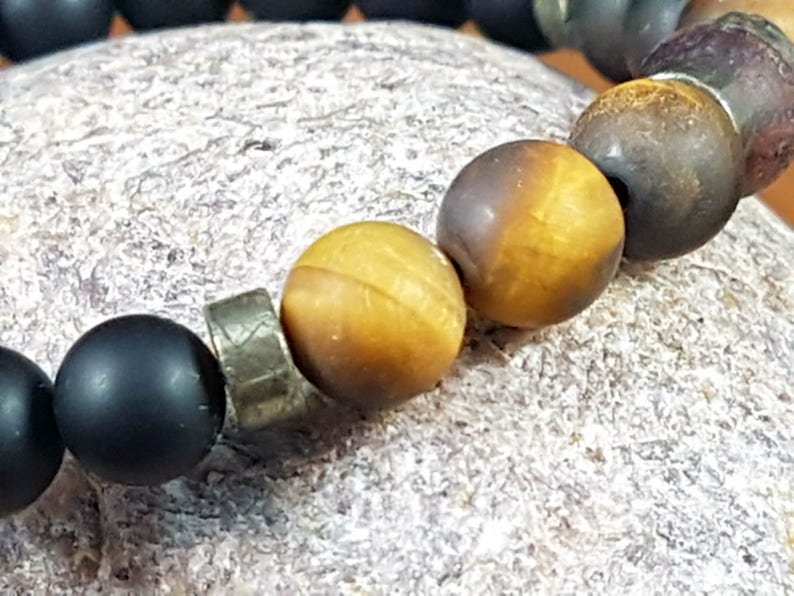 Crystal healing strength self-confidence Determination PYRITE and Tiger eye Perseverance success Pyrite ONYX bracelet beads 8 mm Onyx