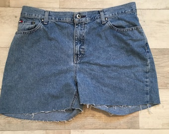 1990s Tommy Hilfiger Denim Shorts Medium