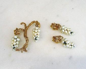 Vintage Faux Pearl Grape Cluster Vine Brooch & Dangle Clip Earrings Set ETC5697
