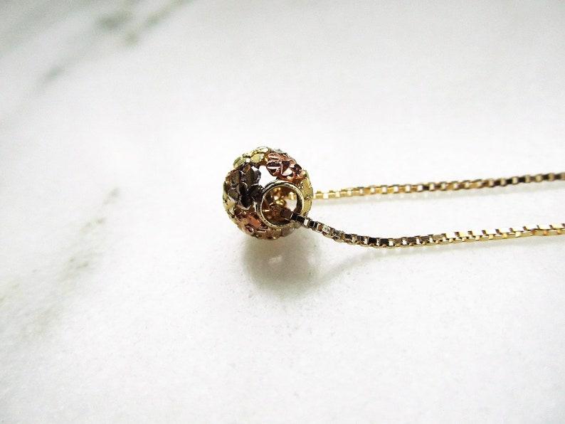 Vintage 14K Tri Tone Gold Flower Ball Pendant Necklace ETC4345