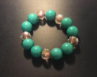 Chunky Green and Glass Bead Bracelet