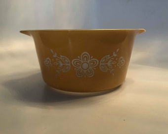 Authentic Pyrex Gold Butterfly Pattern Casserole Dish 1 QT #473 No Lid
