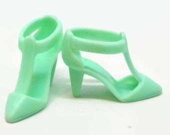4656fe73232 Vintage Barbie Mint Green Shoes Strap Heels Dollhouse Doll Clothing  Accessory