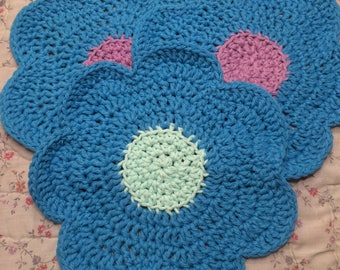 Set of 3 washcloths made with 100% cotton