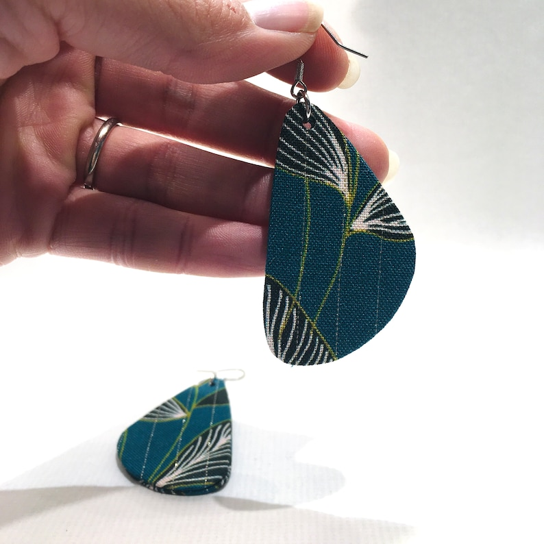 Large triangular earrings light handcrafted creation green fabric printed leaves