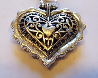 Very Beautiful Antique Boho Vintage Style Sterling Silver Plated Pendant Necklace.New item