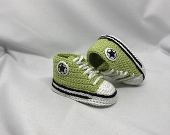 Crochet Baby sneakers, green baby sneakers, birth présent, baby shower present, handmade with love in France
