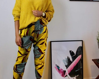 Trousers in afroprint