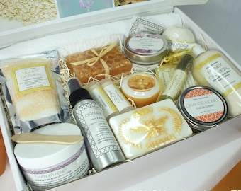 Spa Gift Set, 17pc Deluxe Box, Luxury Birthday Present for Her, Care Package, Christmas Bath Set, Mom, Women, Queen Bee, Honey Oatmeal, Balm