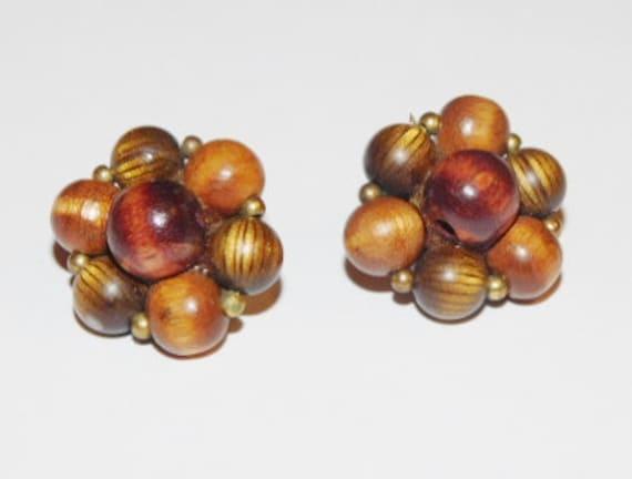 Vintage Lisner Cluster Earrings
