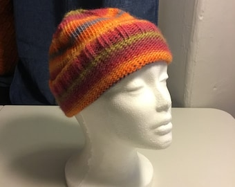 600670209a0 multicolor knit hat- size small