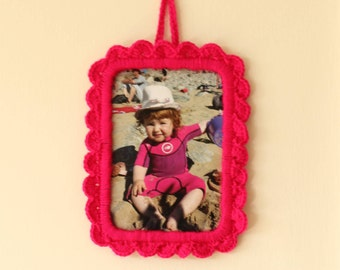 Pink crochet photo frame