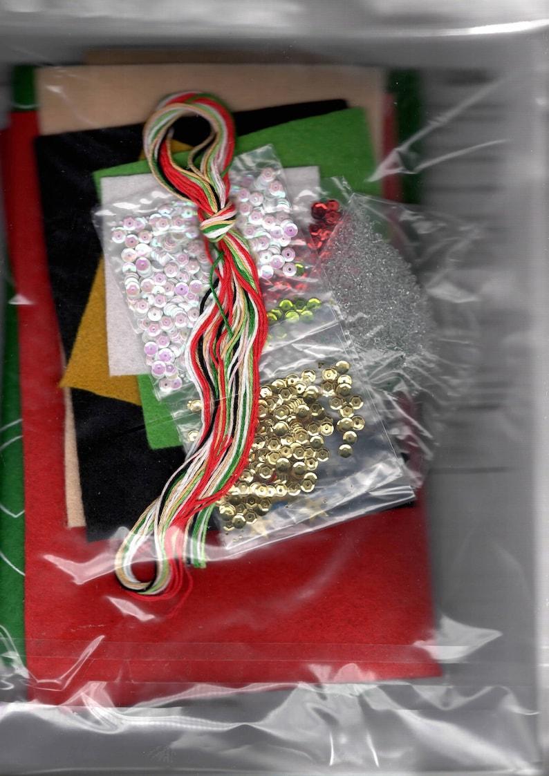 Design Works Santa /& Teddy Bear Holiday Christmas Eve Felt Stocking Kit 5264