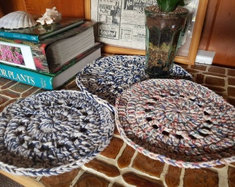 Recycled Medium Placemat Set (3)