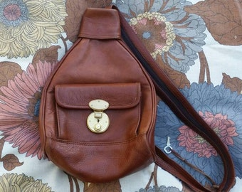 fbb0cd0c68 Vintage Leather Sling Bag - Brown Backpack with Gold Clasp and Key - 90s  Shoulder Bag with Zippered Strap - Adjustable 90s Mini Backpack