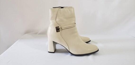 Vintage 90s White Boots Womens 6 US - Laura Scott