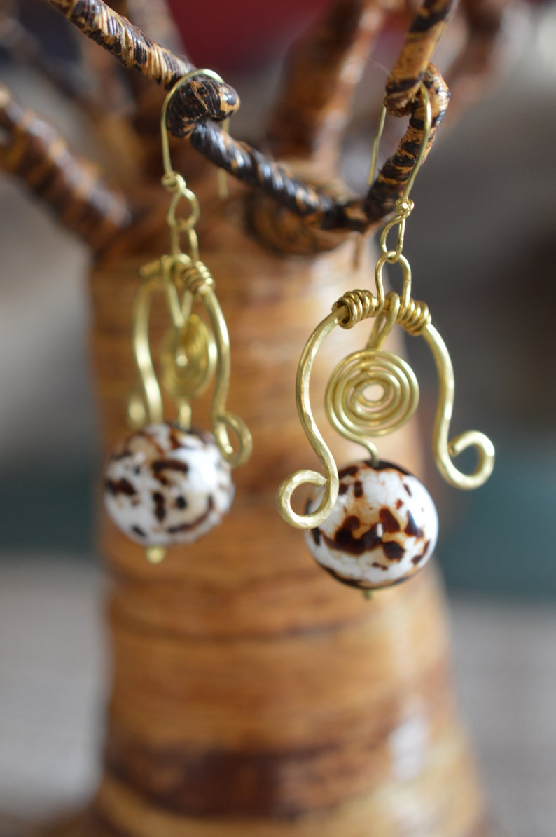 Spotted pendant earrings Open Monastelle without nickel Made entirely by hand with brass wire and large spotted spheres