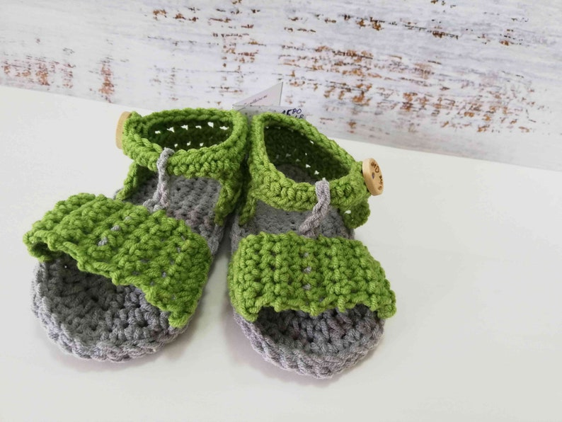 1b9fca36bc3bc Crochet Baby Sandals in Green and Grey Color