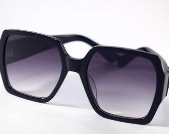 6fb98ca941e YSL Saint Laurent iconic sunglasses